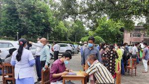 बीपी कोइराला स्वास्थ्य विज्ञान प्रतिष्ठानका आन्दोलनरत संघर्ष समितिले प्राङ्गणबाटै ओपीडी सेवा सुरु