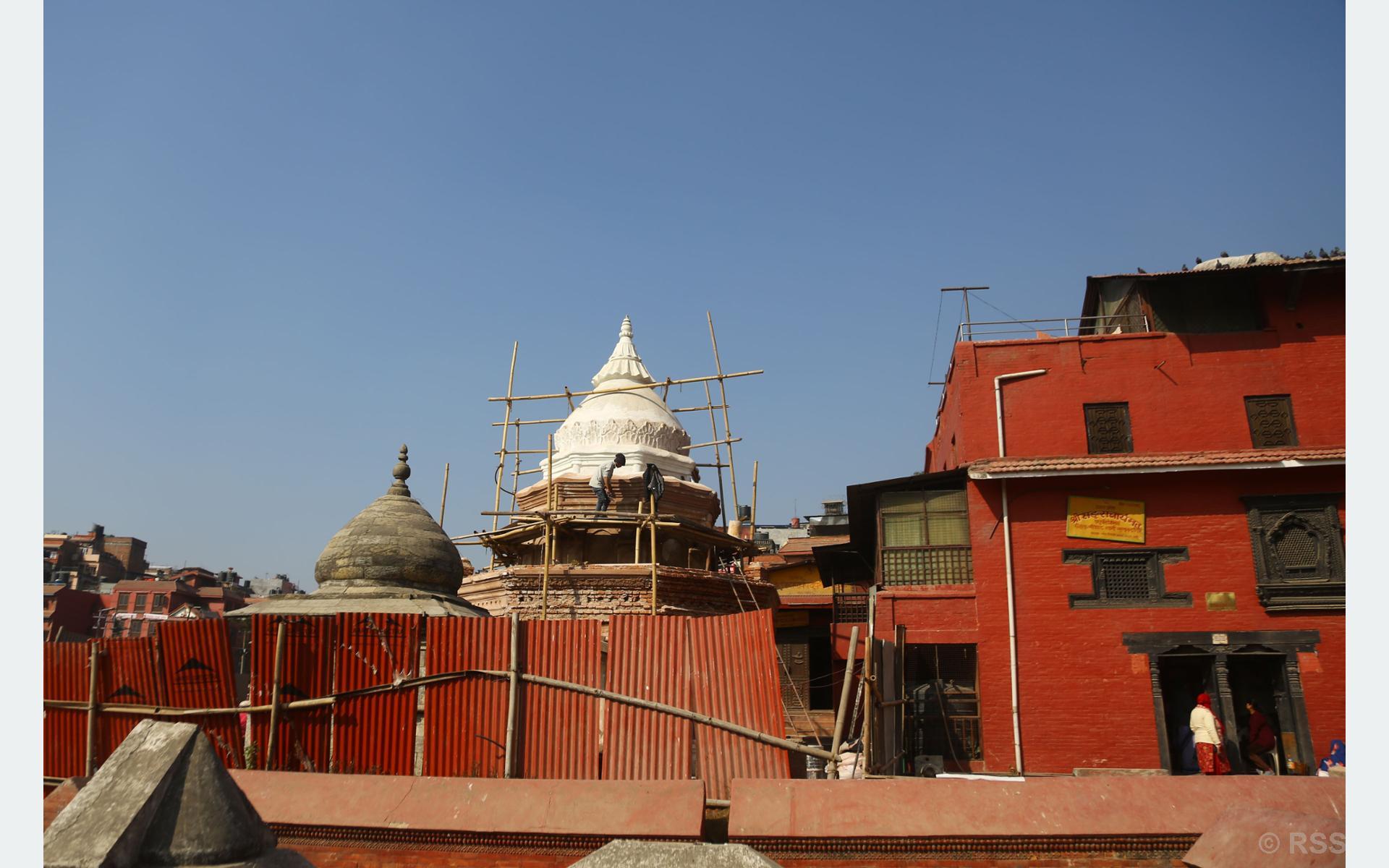 पशुुपतिनाथ मन्दिर परिसरमा पुुनःनिर्माण गरिँदै